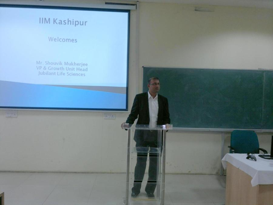 Mr. Shouvik Mukherjee addressing students of IIM Kashipur